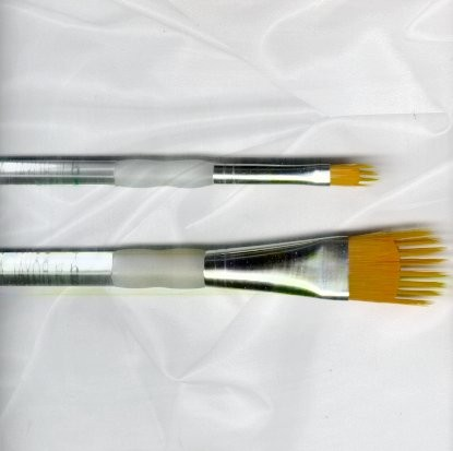 Royal Aqualon Wisp Brush